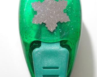 Size M - snowflake punch