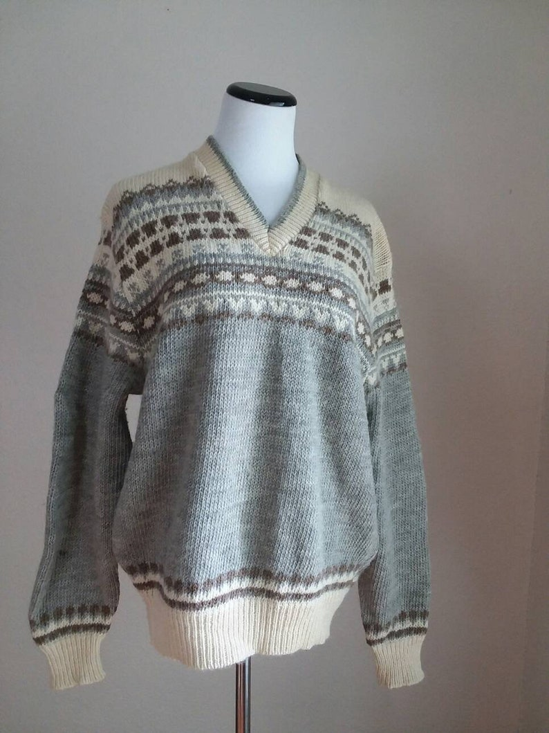 Classic Pendelton V neck soft vintage wool sweater grey ivory brown made in usa women/'s unisex mens winter gray casual warm