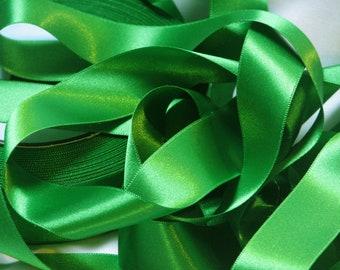 Green satin ribbon width 25 mm, Coupon of 3.90 meters - lot 234