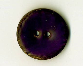22 mm Eggplant Purple lacquered coconut button
