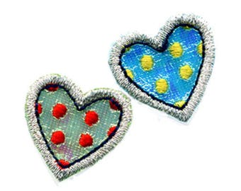 Set of 2 badges multicolored hearts seconds