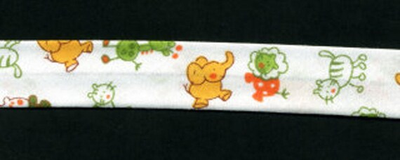 in 3 metre lengths White bias sweets and treats green 100/% cotton