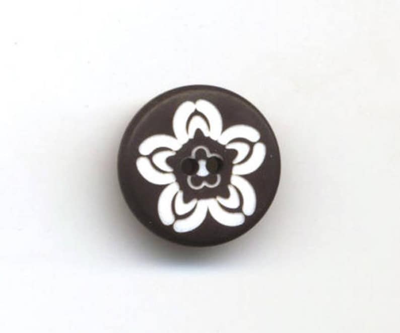 Small Black Buttons Matte White Flower size 12 and 15 mm