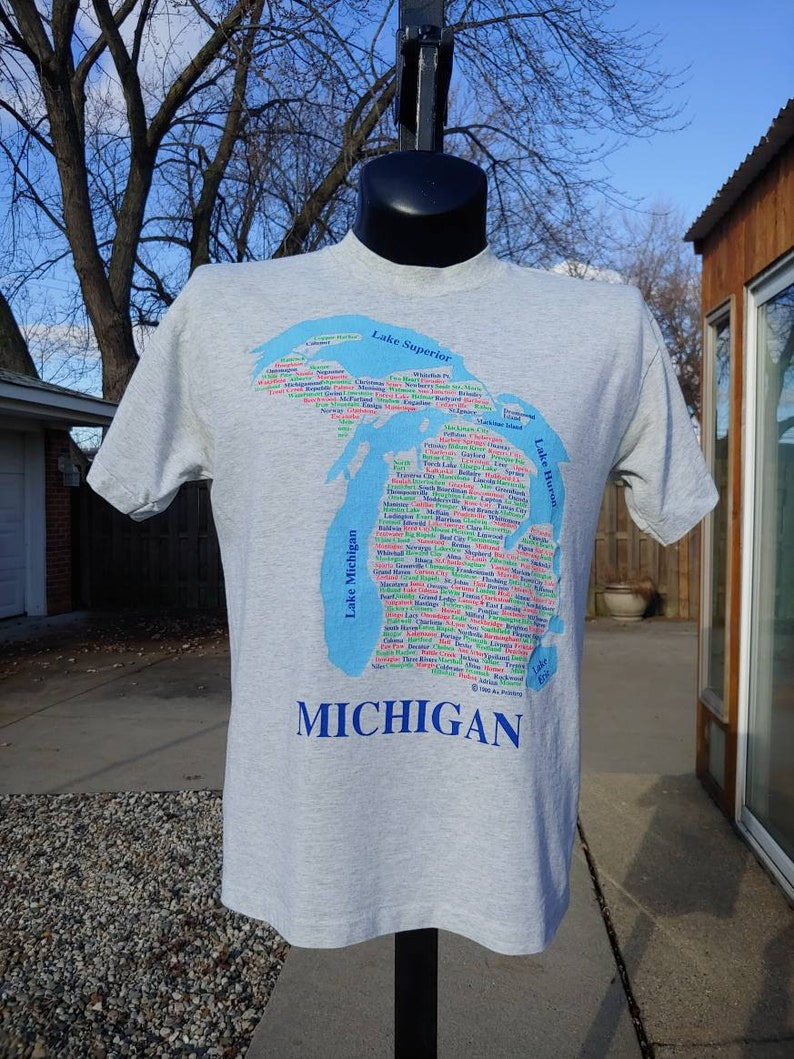 90s Michigan State outline map graphic place city names Heather T shirt  size M/L made in USA vtg vintage colorful michigander pride tourist