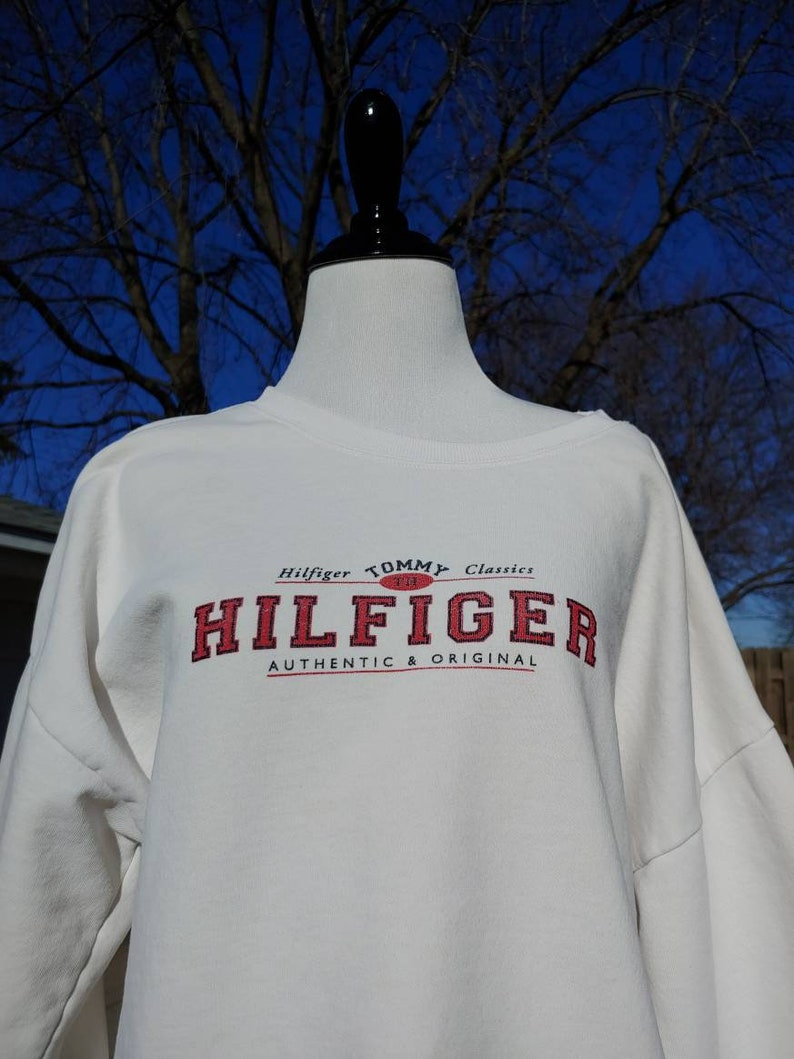 90s Tommy Hilfiger big logo graphic white sweatshirt size M vtg vintage simple basic american classics