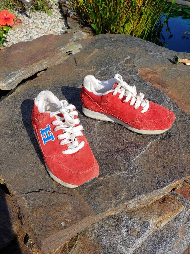cc78298092bf78 7.5 M 90s Tommy Hilfiger red suede leather lace up sneakers