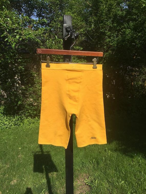 des années 80 vélo baselayer jaune Uni sport vélo équitation boxer moulant Short brève étiquette taille M en USA vtg sport vintage blanc base
