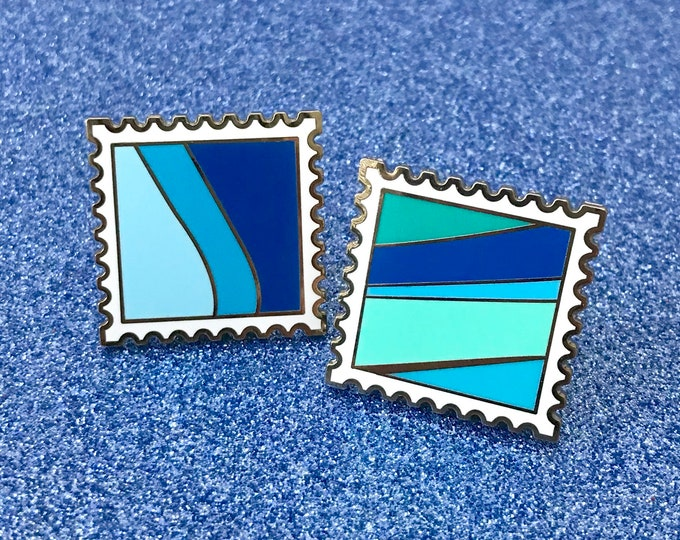 Stamp Pin 'Toothpaste & Blueberry Wall' - Enamel Pin