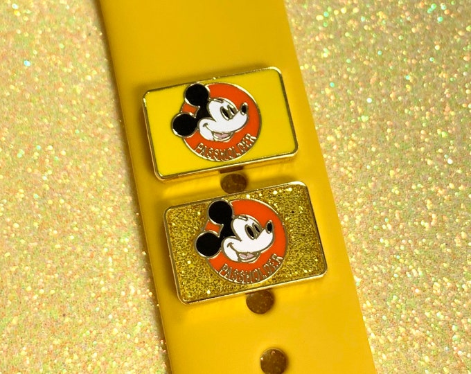 PASSHOLDER 'Wristband Candy' Band Button