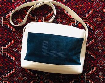 8f5139f7bac LANSel Vintage 70 's-rechthoekige tas, zacht leer wit en suède/nubuck Navy  monogram-Super jaren zeventig!