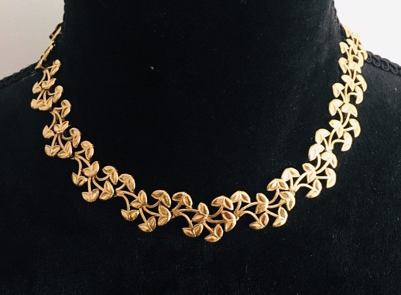 Collector CHARLES JOURDAN Paris-superb and rare Choker with vegetal motifs gold plated-finesse elegance femininity and above all originality