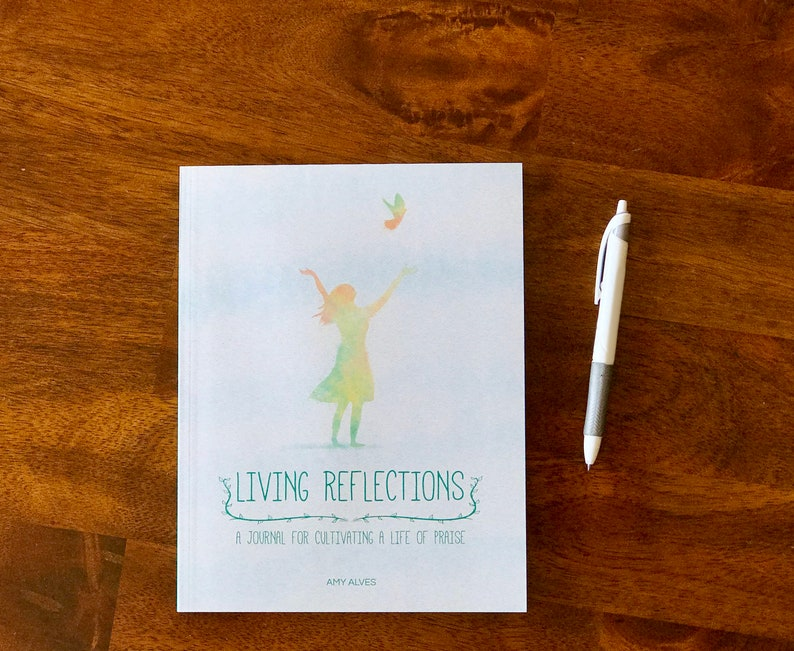 Living Reflections: An easy to use gratitude journal image 0