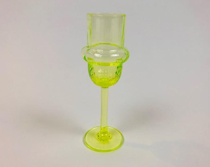 Nanny Still 'Sulttaani' (Sultan) Yellow Goblet - Finnish Midcentury Modern Vintage Glass Design from Riihimäen lasi, Finland