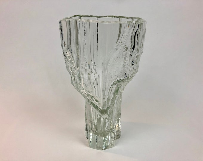 Tapio Wirkkala 3544 'Marmora' Art Crystal Vase (tallest model) - Finnish Mid-Century Modern Vintage Glass Design from Iittala, Finland