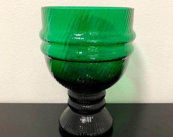 Nanny Still 'Sulttaani' (Sultan) Green Glass Art Vase - Finnish Mid-Century Modern Vintage Glass Design from Riihimäen lasi, Finland