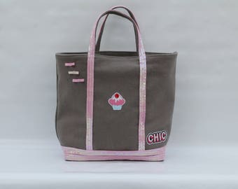 The linen-cotton gray with pink sequins molded Chic Tote