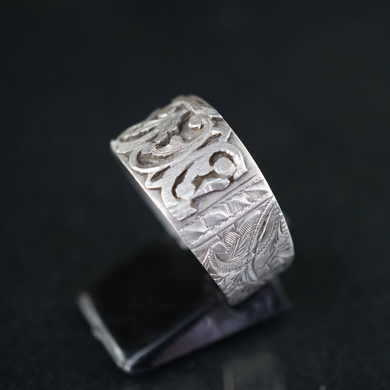 Antique old hand carved silver ring
