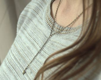 Bronze - sleek and sophisticated Style - trendy chain and star pendant necklace