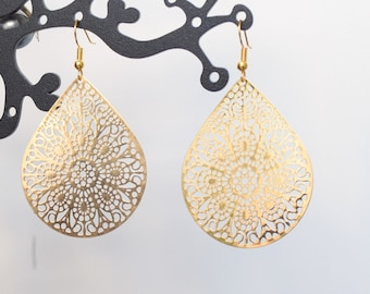 Earrings golden light prints