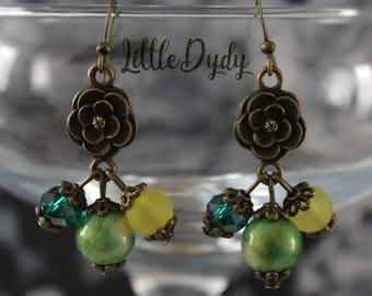 Cluster connector flower, vintage inspired earrings.
