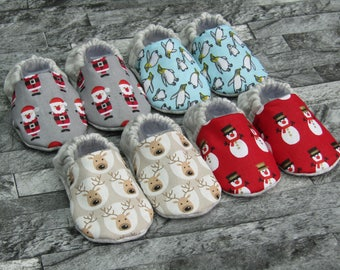 d2ef36aeff4 Christmas patterned baby booties