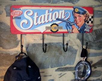 Hook & mechanics Service Station