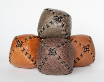 Set of 4 handmade leather juggling balls - Natural colours