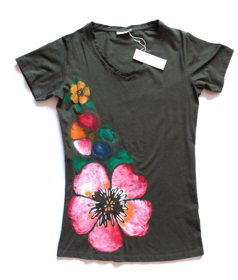 Green Olive Floral Tee Shirt Womens Handmade Hibiscus Etsy