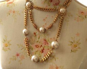 Collier 1980, grosses chaines doré et grandes perles fantaisies, multi  rangs en cascade 4cd92b7a045