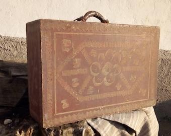 Antique Suitcase  Wooden Suitcase  Primitive Suitcase -Old Suitcase Antique Luggage Vintage Luggage Vintage Suitcase Home decor  Travel bag