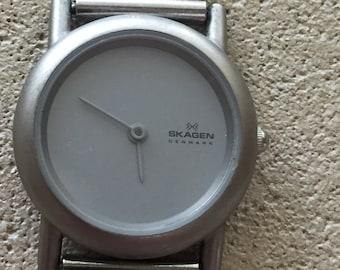 67459b40821 SKAGEN Denmark ladies ultra-slim japan qtz watch w/r 100ft NEW premium  battery s/s mesh bracelet excellent cond runs well
