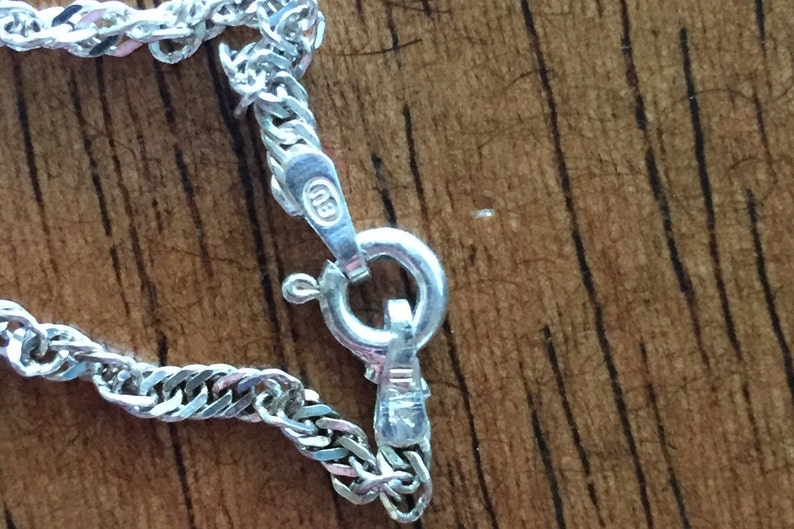Sterling Silver cross pendant necklace 20inch italian 925 chain 3mmwide 5.49grams total cross 22x12mm nice condition