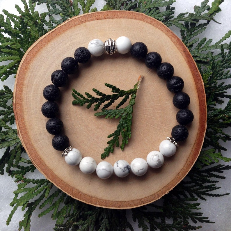 Aromatherapy Jewellery Stress and Anxiety Crystal Bracelet Essential Oil Jewelry White Howlite Serenity Diffuser Bracelet