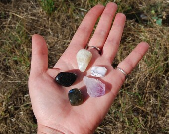 Personal Magick Crystal Bundle Magic Power Booster Mojo Bag Pocket Stones Labradorite Amethyst Dendritic Opal Merlinite Moonstone Nuummite