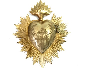 Sacred Heart Ex Voto Milagro Cachette Brass Burning Santos Saint Locket Box Antique Silver Flames Flaming Sun Ray Rays Antiqued Ornament