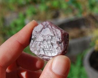 "33g 1.25"" Hexagon Ruby Corundum Crystal Trigonic Record Keeper Krishna Spear Vedic Sapphire Ayurvedic"