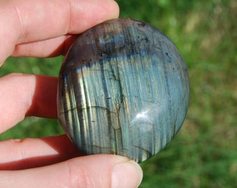 "132g 2.5"" Labradorite Crystal Palm Stone Polished Crystals Power Stones Grounding Transformation Intuition Lots of Fire Soap Smooth Worry"