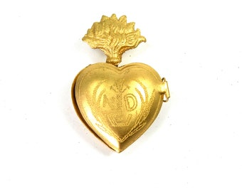 Small Sacred Heart Ex Voto Milagro Cachette Brass Burning Heart Santos Saint Locket Box Antiqued Gold Pendant Ornament