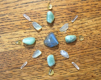 Mini Crystal Grid Kit to Attract Financial Success Money Drawing Wealth Labradorite Green Aventurine Citrine Jade