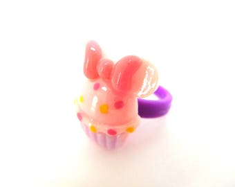 Child ring cake cupcake pink and purple