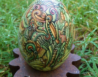 Bird of Lost Paradise, goose eggshell decorated  with Chinese ink and felt pens