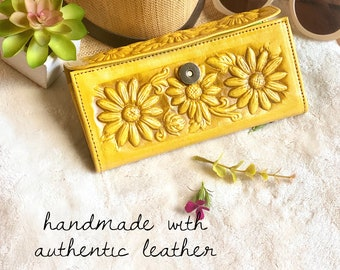 Handmade Leather Sunflowers Wallets for Women- Bohemian Wallet- Tooled leather wallet - sunflower gifts - wallets for her - gift for her