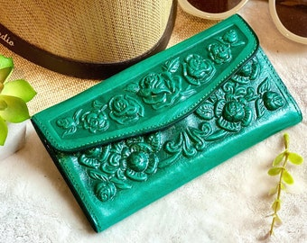 Handcrafted Authentic leather woman wallet - Vintage style wallets for women - gifts for her - green wallet