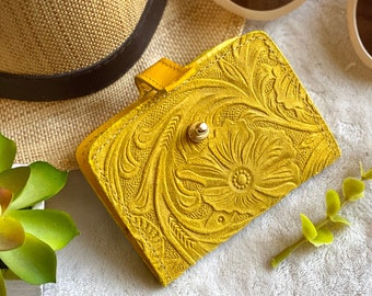 Women's Wallets leather -  Small leather wallet - Birthday woman gift  - gift for her - small wallets for woman