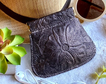 Authentic leather woman pouch - large coin purse - woman pouch - leather squeeze pouch - gift for her - embossed leather pouch