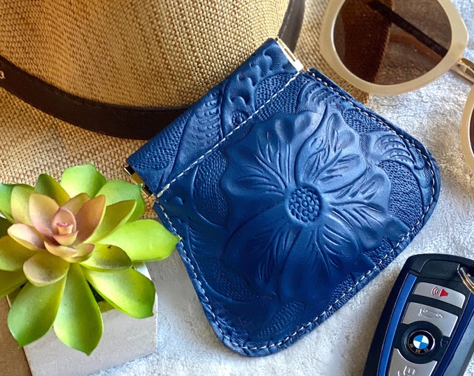 AirPods case - leather pouch - woman squeeze pouch - squeeze coin purse - small pouch - gift for her - floral pouch - flex frame pouch