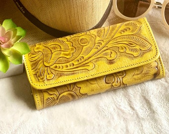 Handmade leather woman wallet - yellow handmade wallets for women - credit cards purse - Lilies woman wallet - valentines day gift
