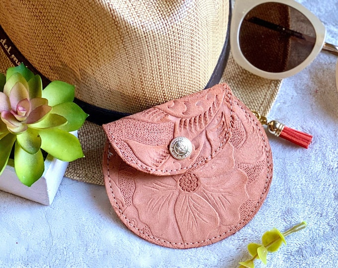 Handmade Leather pouch wallet - women coin purse - leather change purse - gift for her - key pouch - tooled small pouch
