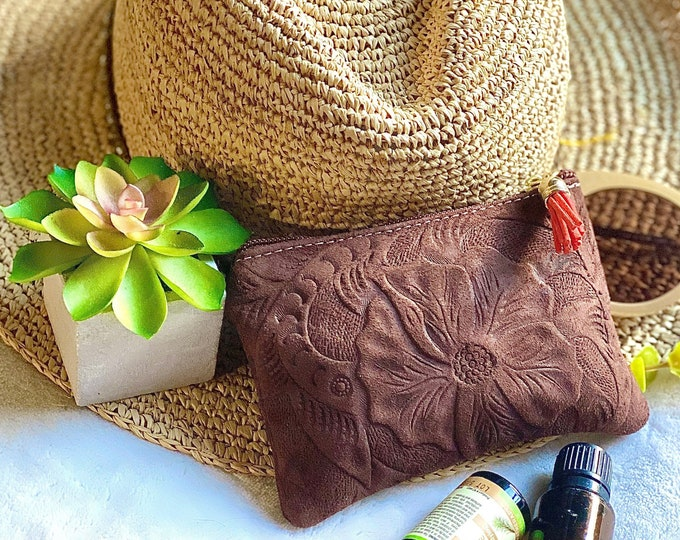 Leather pouch with zipper -Handmade leather Small Pouch -Small Cosmetic Bag- Leather Makeup Bag- gift for her - bridesmaid gift