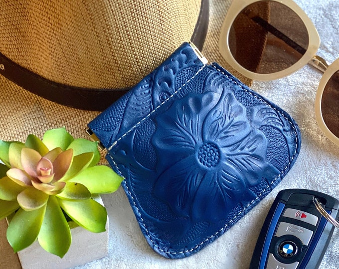 Handmade leather pouch-squeeze pouch-coin purse-small pouch-gifts